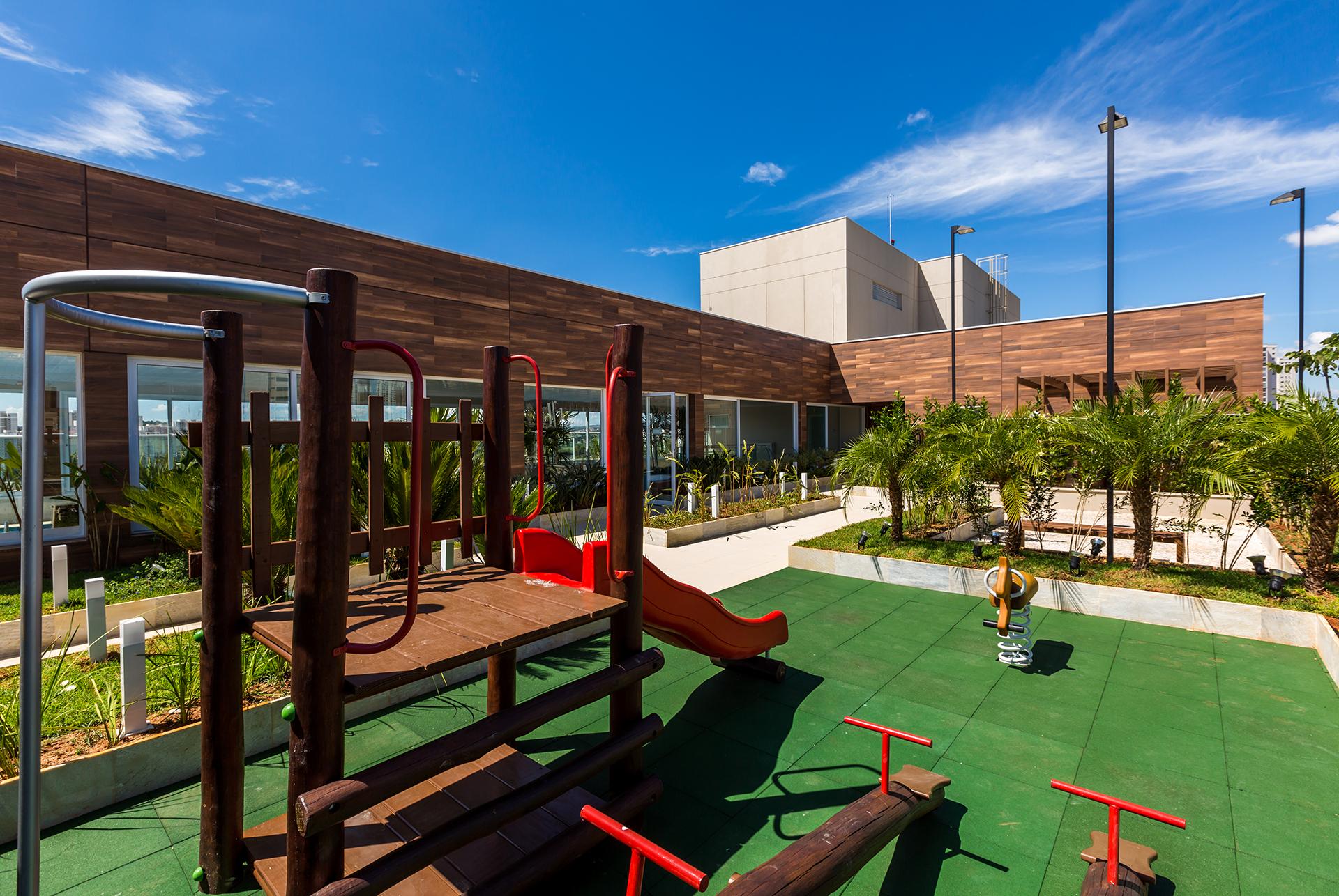 Playground na Cobertura Línea Home Style