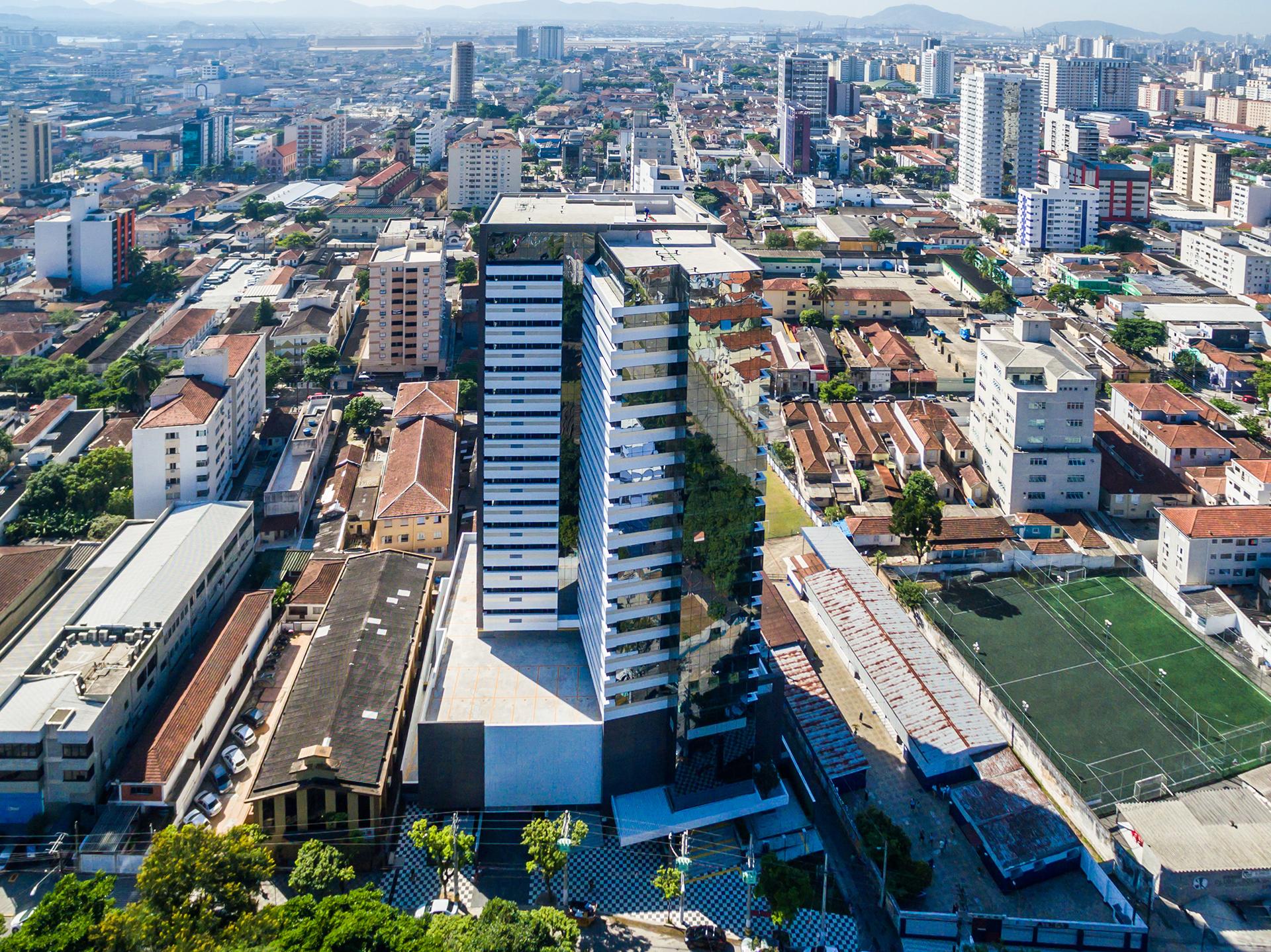 Fachada visto de cima  Manhattan Office Santos