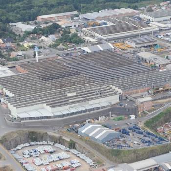 Complexo Industrial Composto de Áreas de Produção e Administrativas